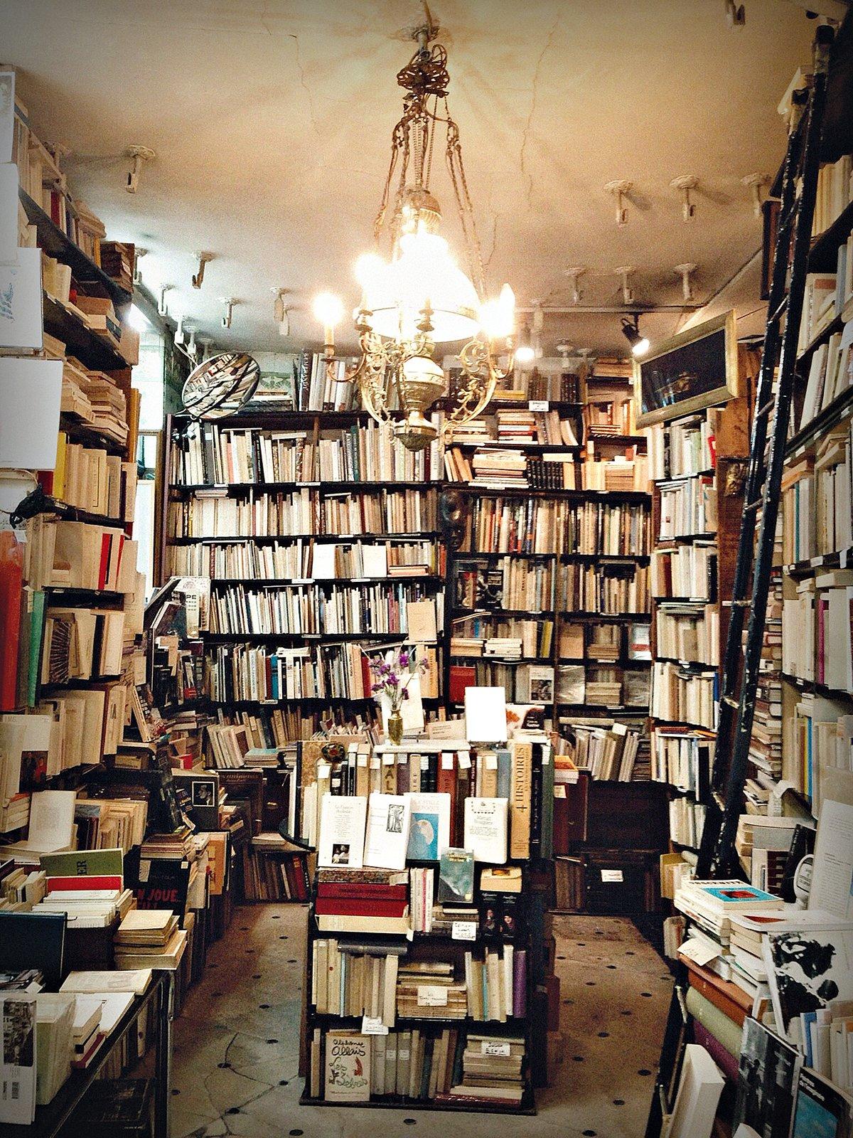 Parigi, libreria.
